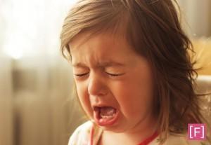 o-que-e-terrible-two-menina-chorando